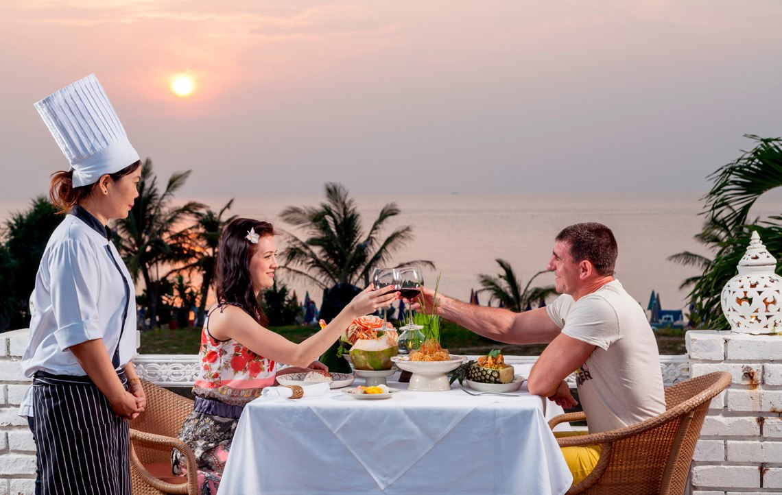 Phuket Thai Cuisine Restaurant Sunset Dining